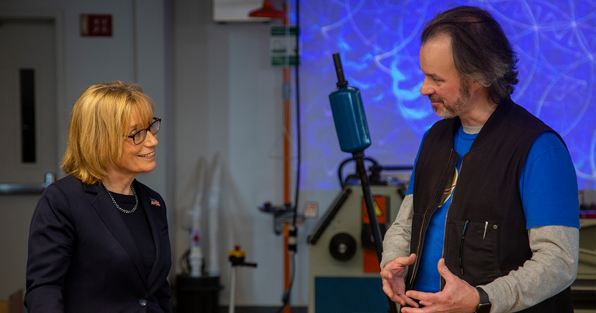 Senator Maggie Hassan speaks with Bret Kulakovich of the D&M MakerSpace